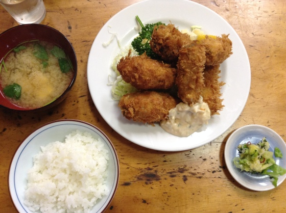 Deep-fried oysters at Tsukiji Odayasu