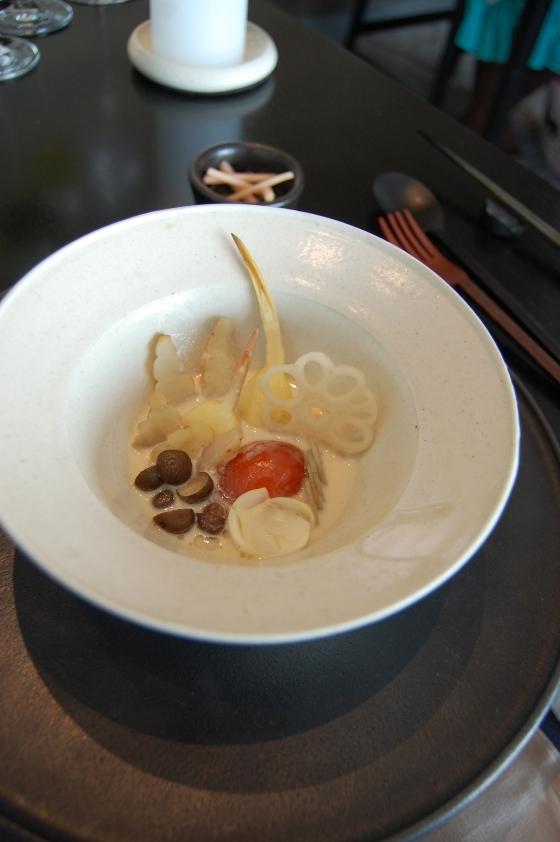 様々な根菜類 生姜と共に