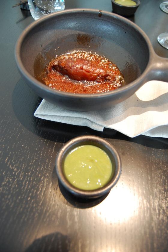 白下糖でまる一日かけて煮込んだ人参芋