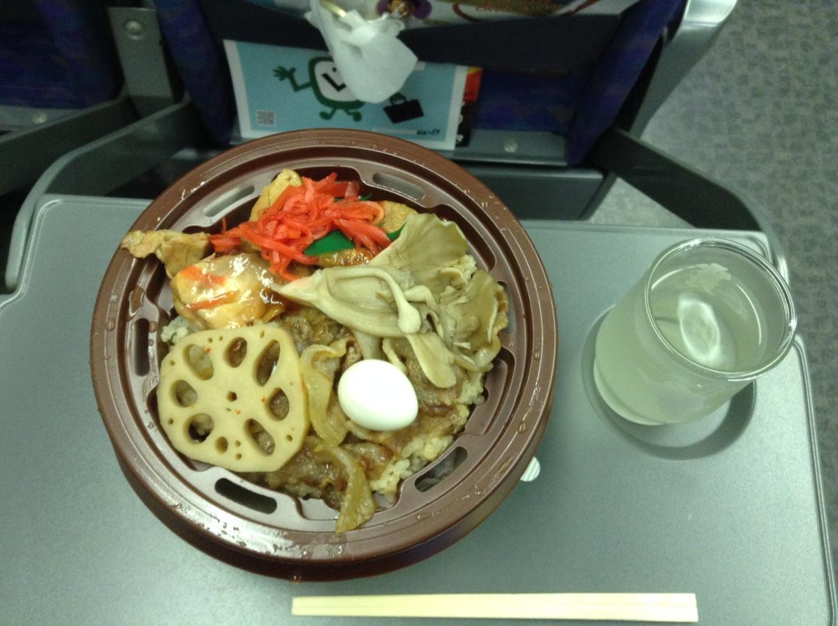 Chicken and vegetable hot bento & Kakurei saké