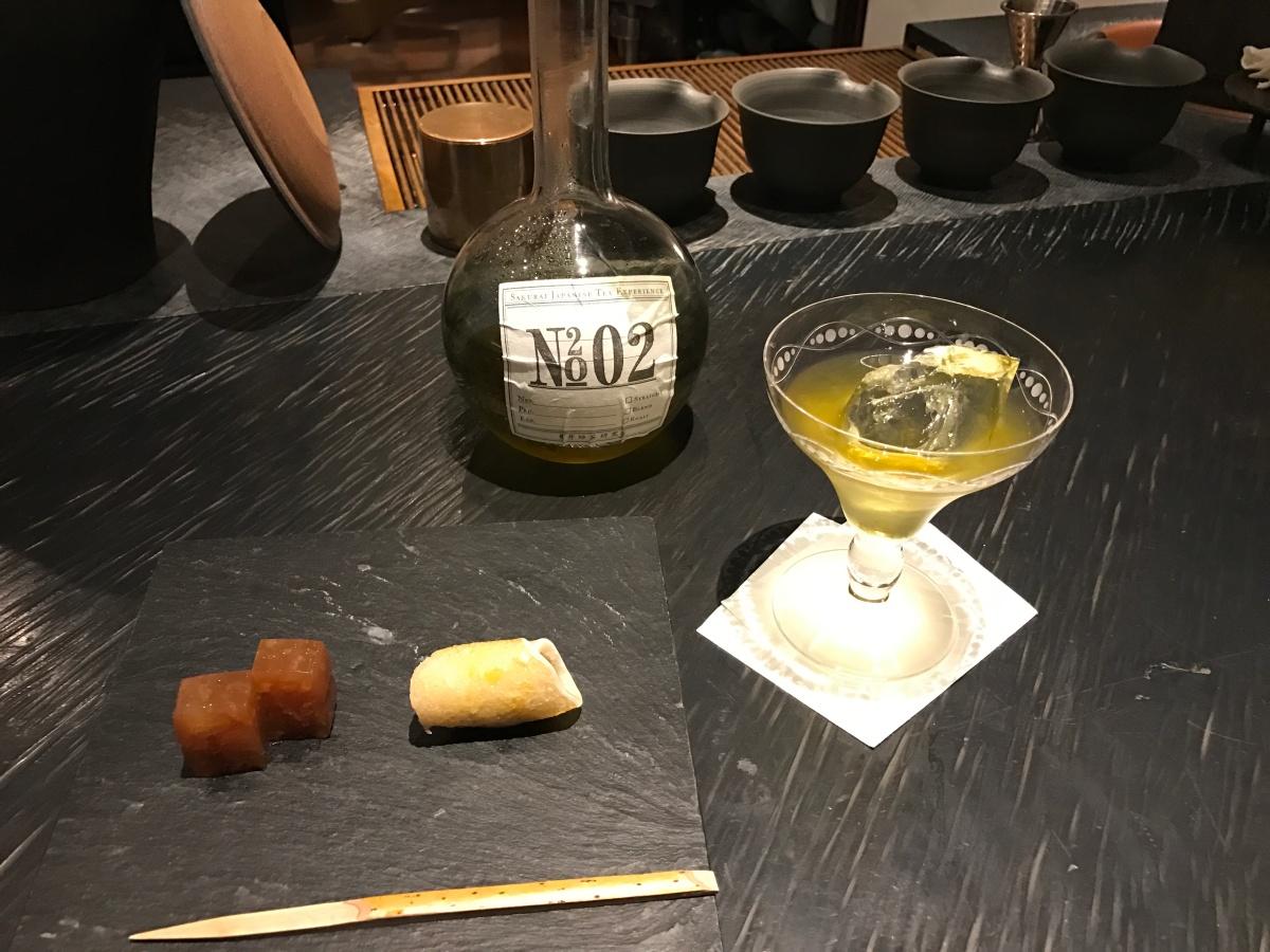 souen-green-tea-liquor-with-sweets